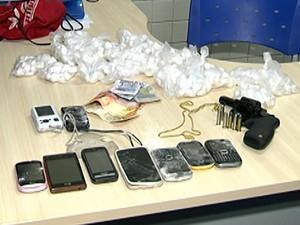 Produtos de roubo também foram apreendidos. (Foto: Reprodução/TV Tapajós)