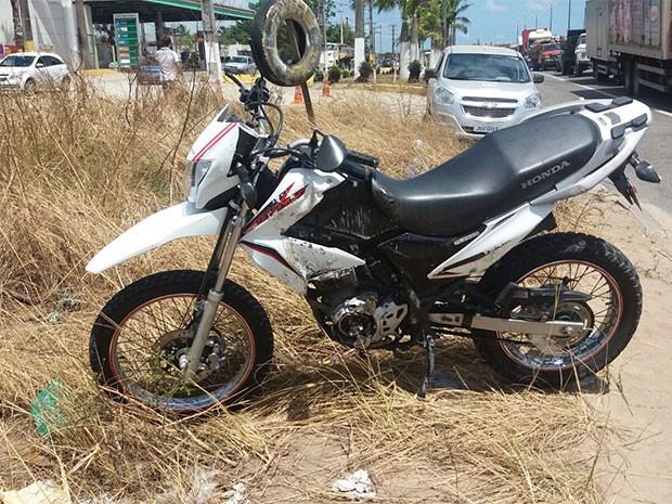 Motociclista morreu na manhã desta terça-feira (8) em Parnamirim (Foto: Marksuel Figueredo/G1)