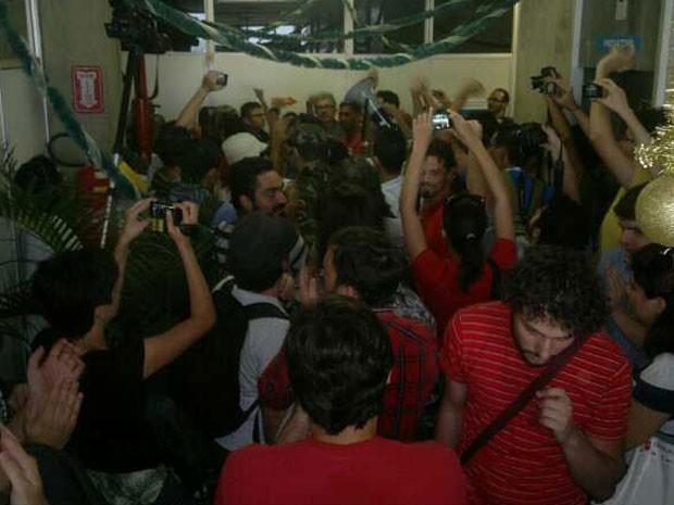 Tumulto com guardas municipais marca reunião do projeto Novo Recife (Foto: Luna Markman / G1)