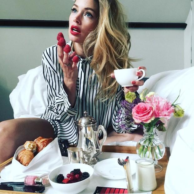 Doutzen Kroes: corpão e café da manhã dos campeões (Foto: Instagram/Reprodução)