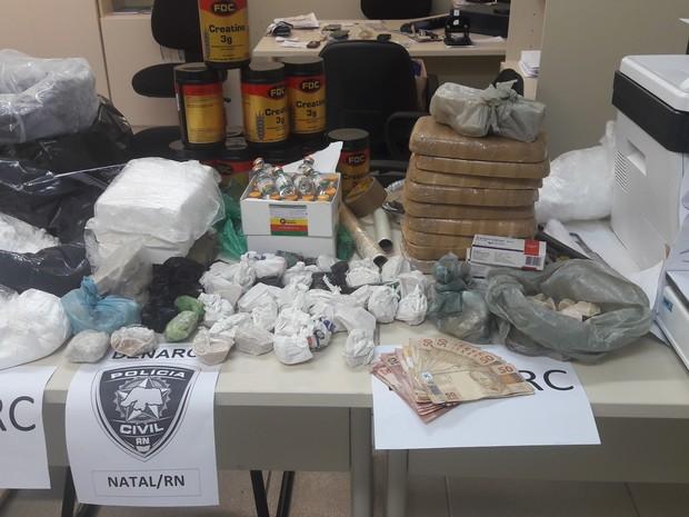 Droga estava dentro de um carro em Nova Parnamirim (Foto: Divulgação/Polícia Civil do RN)