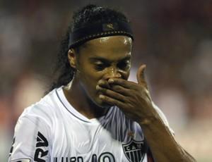 Ronaldinho, Newell's Old Boys x Atlético-MG (Foto: AP)