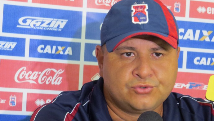 Técnico Luciano Gusso do Paraná Clube (Foto: Fernando Freire)