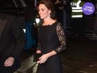 Look do dia: com vestido rendado, Kate Middleton exibe barriga discreta