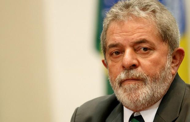Lula se reúne com Cunha e pede para segurar pedidos de impeachment