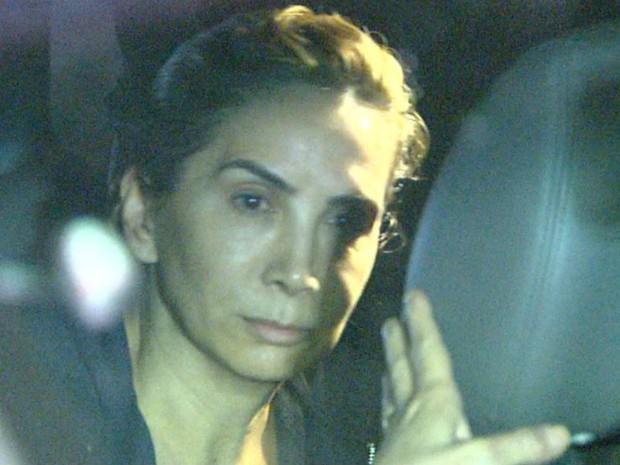 Dárcy Vera (PSD) chegou à sua casa em Ribeirão Preto acompanhada de sua advogada (Foto: Luciano Tolentino/EPTV)