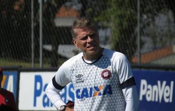 Atlético-PR muda escalação para jogo contra o Botafogo; quarteto é poupado