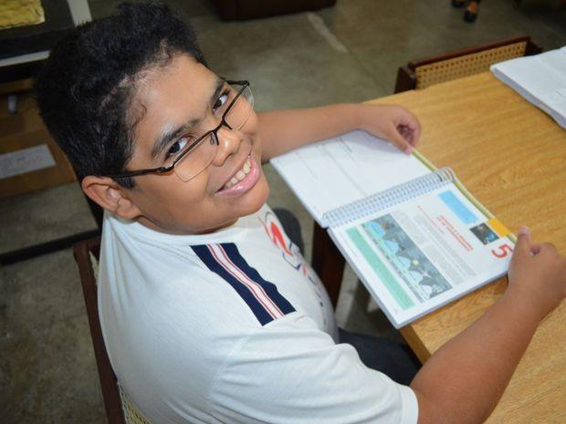 Superação é uma rotina na vida do estudante (Foto: Marina Fontenele/G1)
