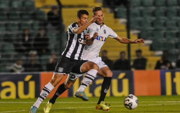 Figueirense x Atlético-PR (Foto: Eduardo Valente / Ag. Estado)