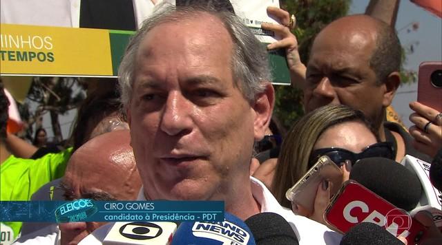 Ciro Gomes faz campanha em Minas Gerais