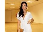 Anitta e outras famosas apostam no decotão em noite de premiação