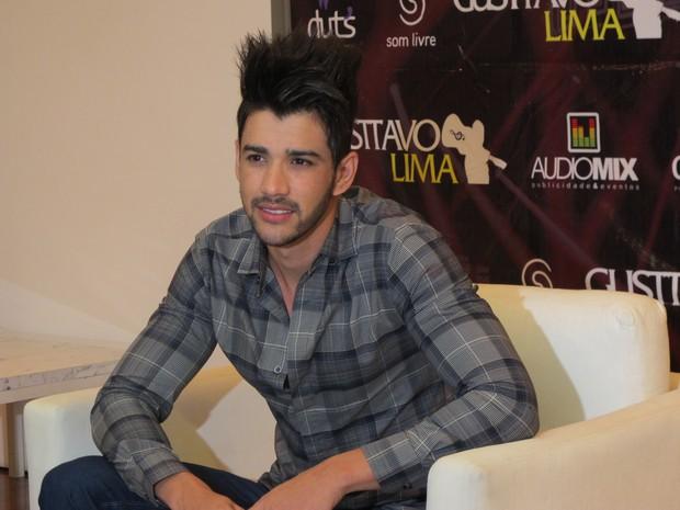 Gusttavo Lima em coletiva de imprensa em São Paulo (Foto: EGO)