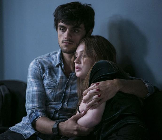 Jonatas abre seu coração para Eliza (Foto: Raphael Dias/TV Globo)