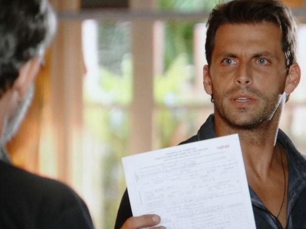Cassiano cobra uma explicação de Duque (Foto: Flor do Caribe / TV Globo)
