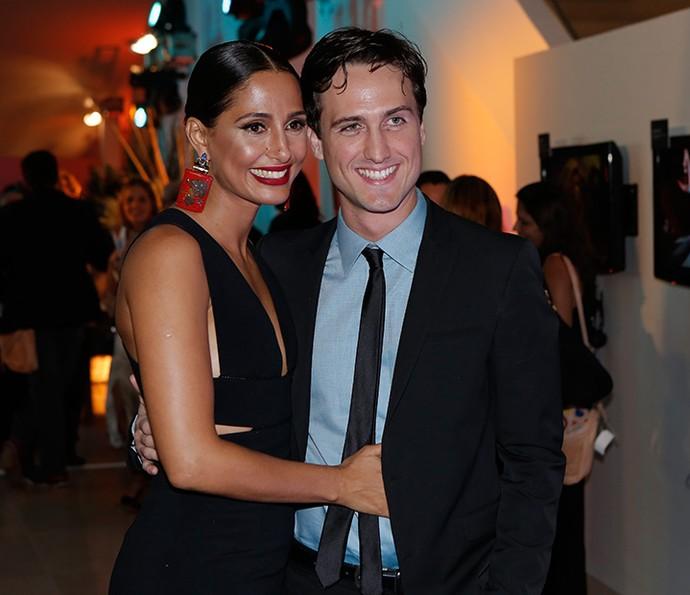 Camila Pitanga posa com o namorado, Igor Angelkorte (Foto: Fábio Rocha/Gshow)