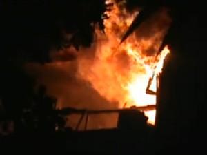 Incêndio em prédio de desembargador no Leblon (Foto: Reprodução / TV Globo)