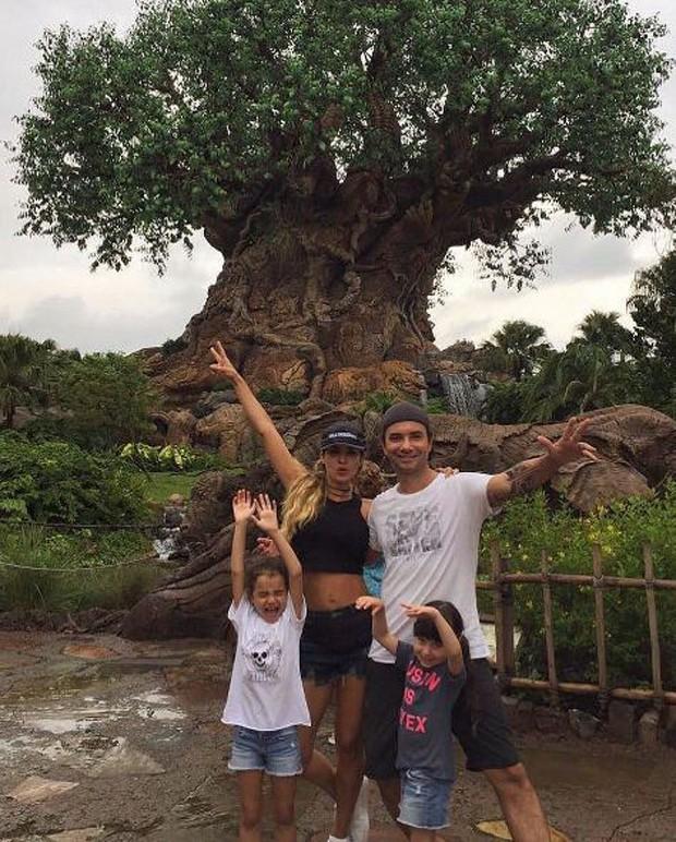 Marco Luque em família (Foto: Reprodução/Instagram)