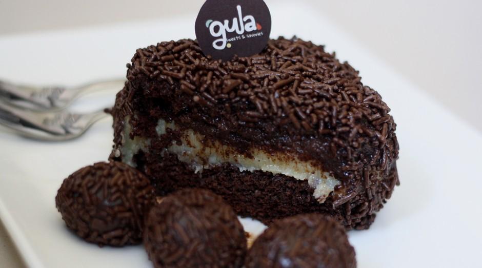 Bolo prestígio da Gula. Empresa foi criada por brasileira em Dubai (Foto: Divulgação)