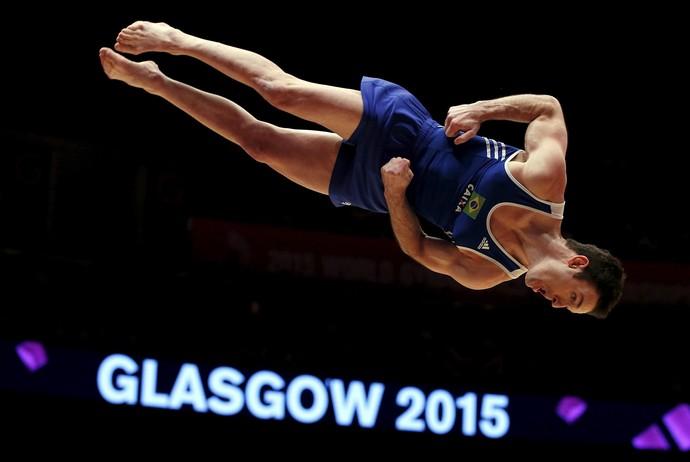 Diego Hypolito paticipou da final por equipes no Mundial de Ginástica de Glasgow (Foto: Reuters)