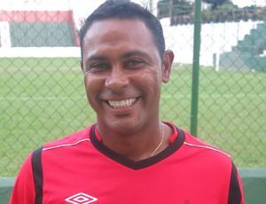 Marcos Bazílio treinador sub-15 Portuguesa Santista Briosa (Foto: Bruno Gutierrez)