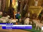 Colecionador monta presépio com bonecos de Playmobil em Tremembé