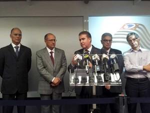 Governador de São Paulo, Geraldo Alckmin, e o prefeito de Campinas (SP), Jonas Donizette, fazem coletiva de imprensa sobre situação hídrica no estado (Foto: Marcello Carvalho/G1 Campinas)