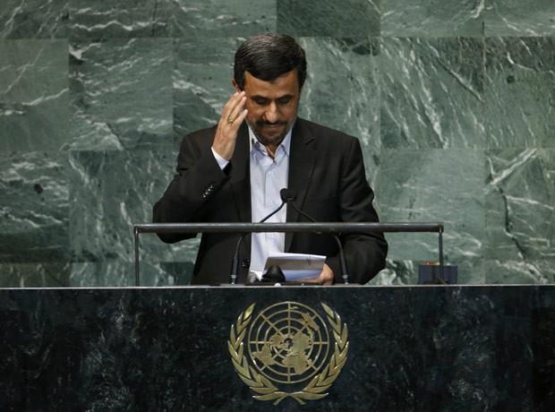 O presidente do Irã, Mahmud Ahmadinejad, discursa na Assembleia Geral da ONU nesta quarta-feira (26) (Foto: AFP)