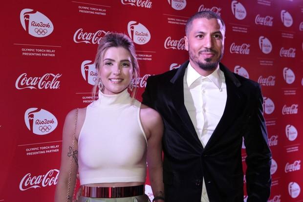 Ex-BBBs Aline e Fernando em festa na Zona Sul do Rio (Foto: Isac Luz/ EGO)