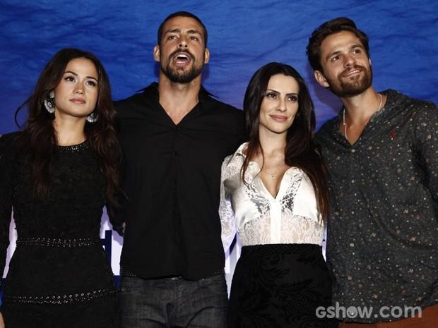 Nanda Costa, Cleo Pires, Alejandro Claveux e Cauã Reymond em coletiva (Foto:  Inácio Moraes/TV Globo)
