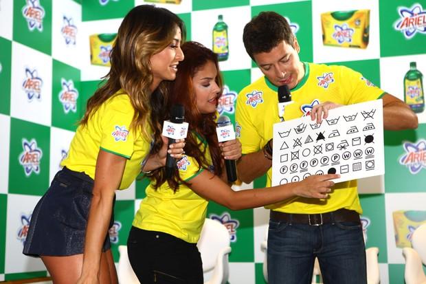 Sabrina Sato, Paloma Bernardi e Rodrigo Faro (Foto: Iwi Onodera/EGO)