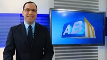 Almir Vila Nova conhece como ninguém as histórias de Caruaru (Reprodução/  TV Asa Branca)