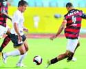 Roger Carvalho comemora primeiro gol com a camisa do Atlético-GO