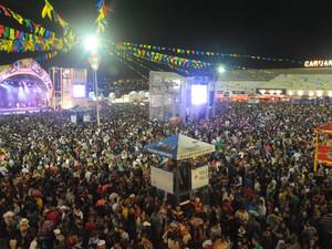 1 - Público que compareceu aos shows deste sábado (9), em Caruaru, somou quase 100 mil (Foto: Thomás Alves / TV Asa Branca)