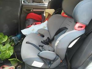 Cadeiras de proteção após acidente (Foto: PM/Divulgação)