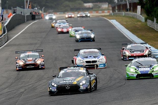 Mercedes AMG GT3 da dupla brasuca Marcio Basso e Nonô Figueiredo chegaram em P3 na corrida 1 (Foto: Divulgação/FOTOSPEEDY)
