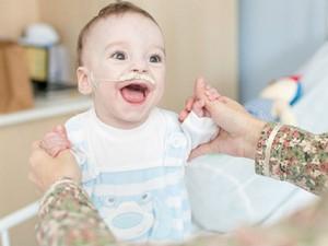 Bebê sofre de síndrome de intestino curto (Foto: Campanha Amigos do Pedrinho/Divulgação)