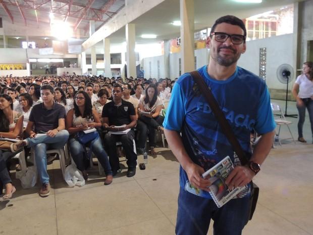 Evandro Costa, professor de geografia do Projeto Educação (Foto: Luka Santos / G1)
