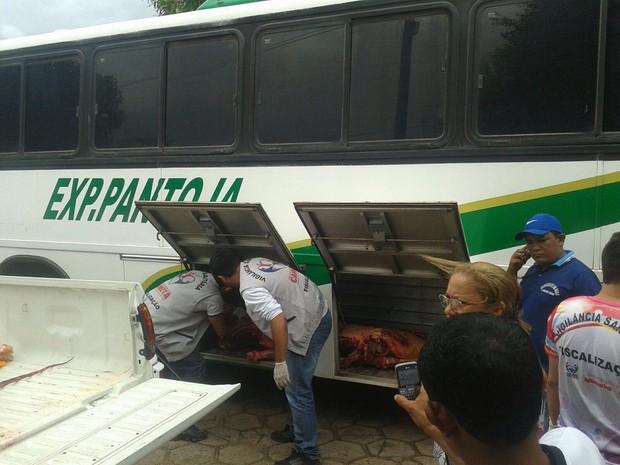 Ônibus de linha intermunicipal viajava diariamente até Limoeiro do Ajuru. (Foto: Divulgação/Vigilância Sanitária)