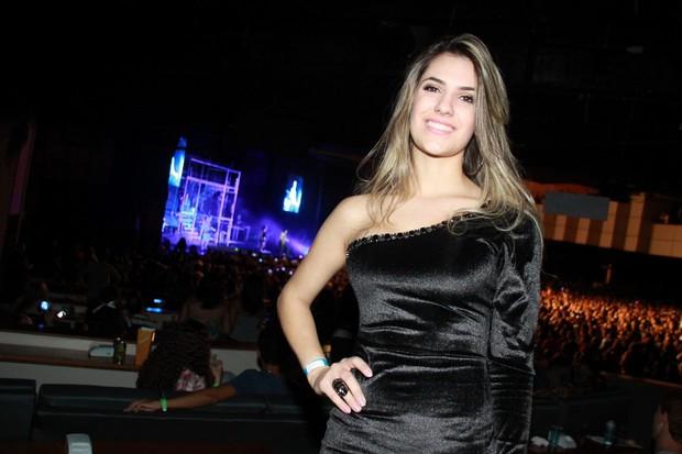 Jade Magalhães, namorada de Luan Santana, assiste a show dele no Rio (Foto: Graça Paes/Foto Rio News)