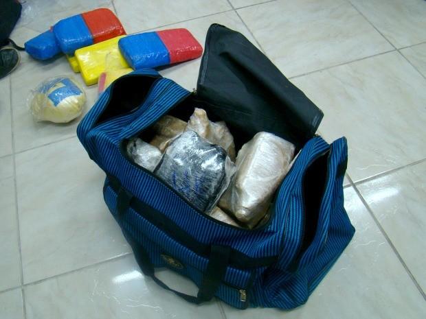 Entorpecentes seriam entregues para grupo responsável pela distribuição da droga  (Foto: Jamile Alves/G1 AM)