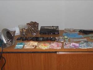 Material apreendido em Monte Alegre (Foto: Polícia Militar/Divulgação)