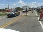 Caminhoneiros permanecem com bloqueio parcial da BR-116, no Ceará