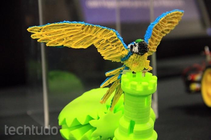 Papagaio da imagem foi feito com a 3Doodler, caneta que desenha no ar (Foto: Renato Bazan/TechTudo)