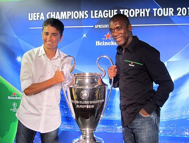 Seedorf e Bebeto taça Liga dos Campeões tour (Foto: Fábio Lima )
