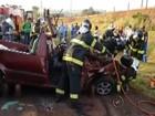 Dois carros batem de frente e um homem morre em Catanduva