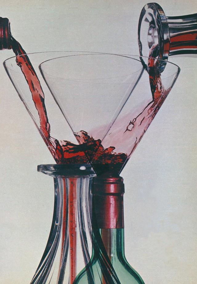 Happy hour liberado: quais bebidas alcoólicas são menos calóricas (Foto:  Irving Penn)
