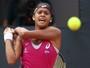 Após quase ficar fora do quali, Teliana vence três e entra no WTA de Hobart