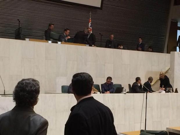 Deputados após aprovação do Plano da Educação de SP (Foto: Roney Domingos/G1)
