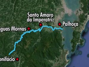 Rio Cubatão passa por cinco cidades de SC (Foto: Reprodução RBS TV)
