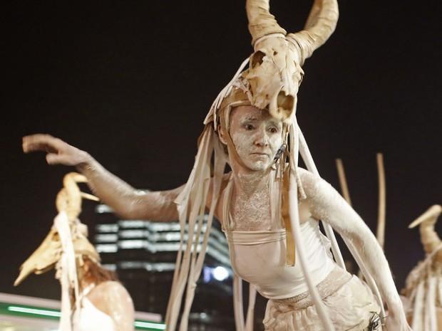 2 mil artistas participaram da celebração em Cidade do Cabo (Foto: Schalk van Zuydam/AP)